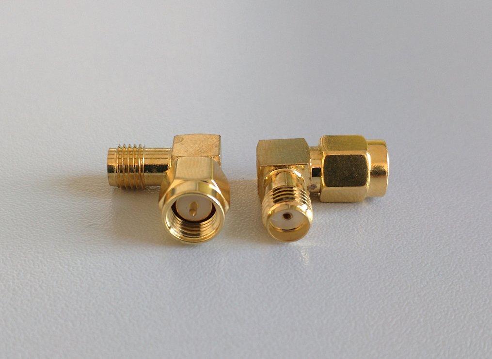 Adapter SMA Stecker / SMA-Kupplung 90 Grad - Pic 1