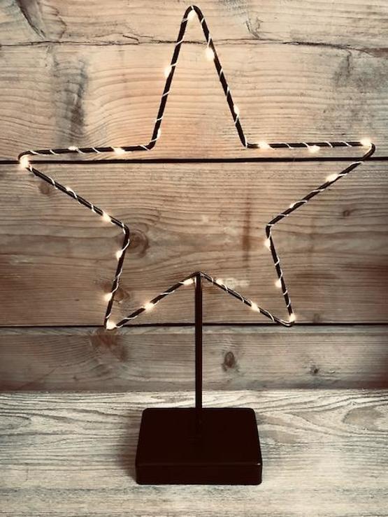 Lights4Christmas LED Leuchtstern mit Fuß 25 LED warmweiss 40cm schwarz - Pic 1