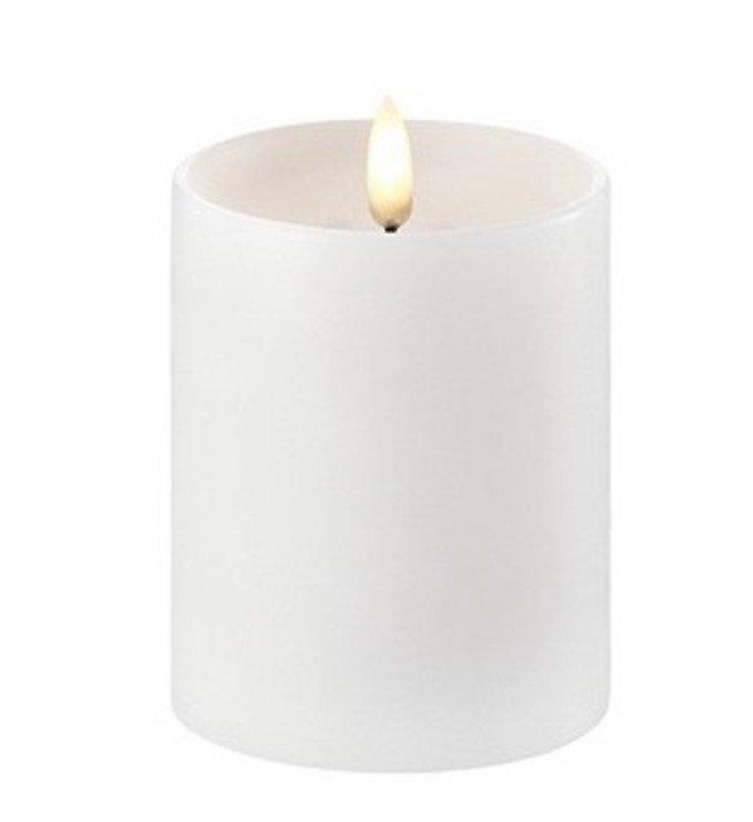 UYUNI Lighting LED Kerze PILLAR tiefer Docht 7,8 x 10 cm weiss - Pic 1