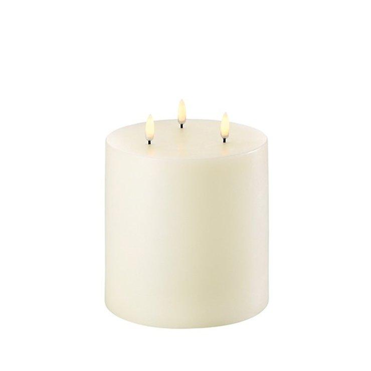 UYUNI Lighting LED Kerze PILLAR 3 Flammen 15 x 15 cm ivory - Pic 1